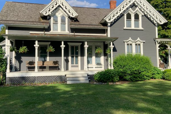 Elementy architektoniczne, które wpływają na koszty budowy domu
